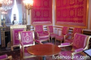 Комната, где Наполеон отрекся от престола, в Фонтенбло