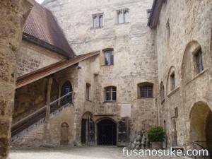 Внутренний двор замка Бургхаузен