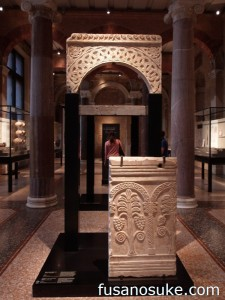 Часть алтаря из собора Св. Петра в Риме