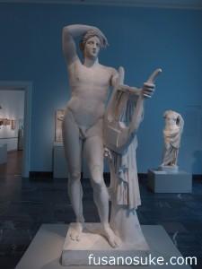 Древнеримская статуя Аполлона